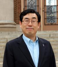 Professional Portrait Photo of Un Yeong Park, Assistant Director for Career and Professional Development for International Students